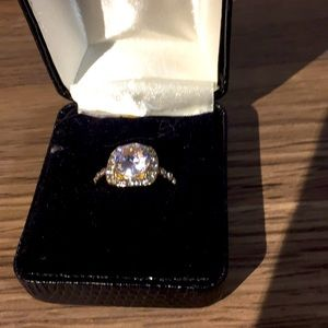 Fashion ring gorgeous style and cut NEW size 6 1/2